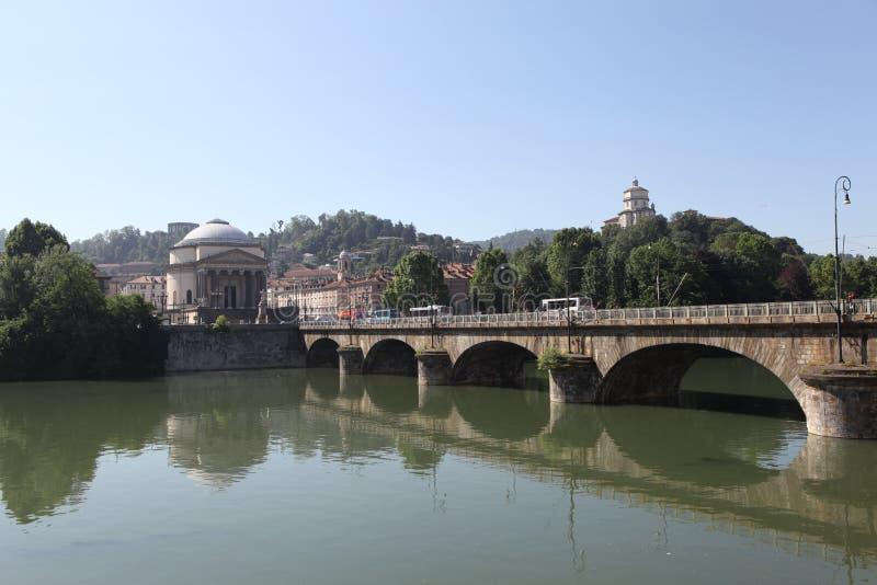 Turin. Ponte Vittorio Emanuele ? com o Po. imagens de stock royalty free