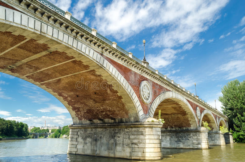 Turin (Torino), rivière PO et pont Isabella images libres de droits