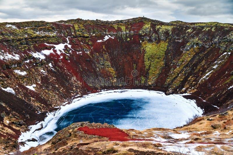 Download Turismo Del Lago Del Cratere Di Kerid Fotografia Stock - Immagine di bello, hiking: 56888006