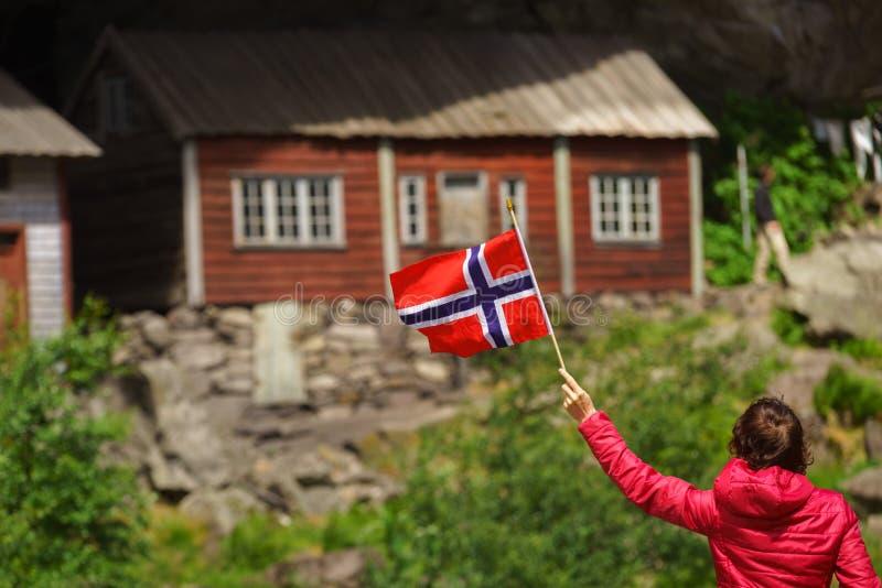 Turist- bes?ka Helleren hus i Jossingfjord, Norge royaltyfri bild