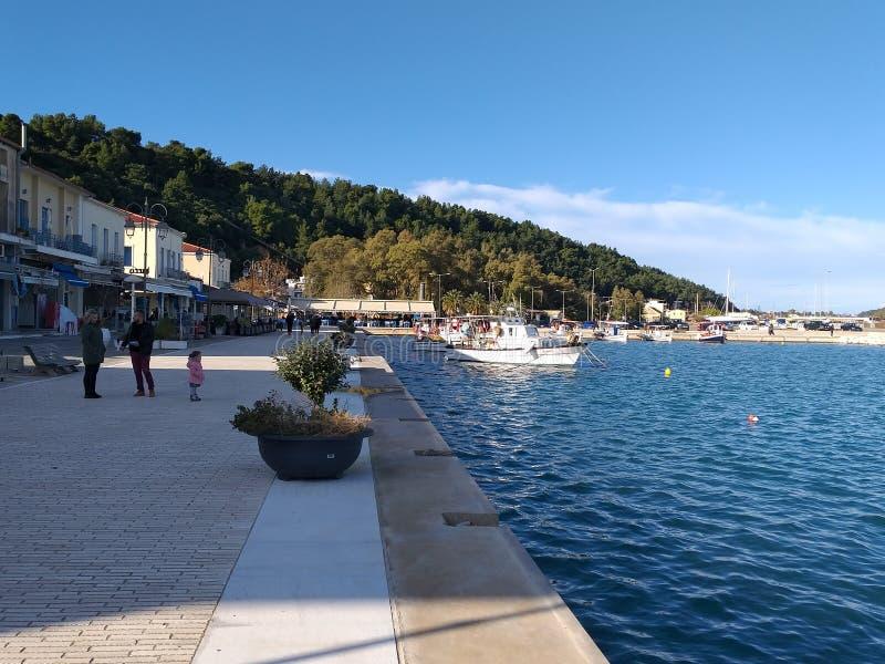 Turist- hamn av Katakolo arkivfoton