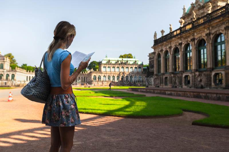 Turist i Dresden royaltyfri bild