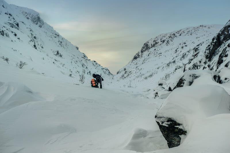 Turist i ryss Lapland, Kola Peninsula fotografering för bildbyråer