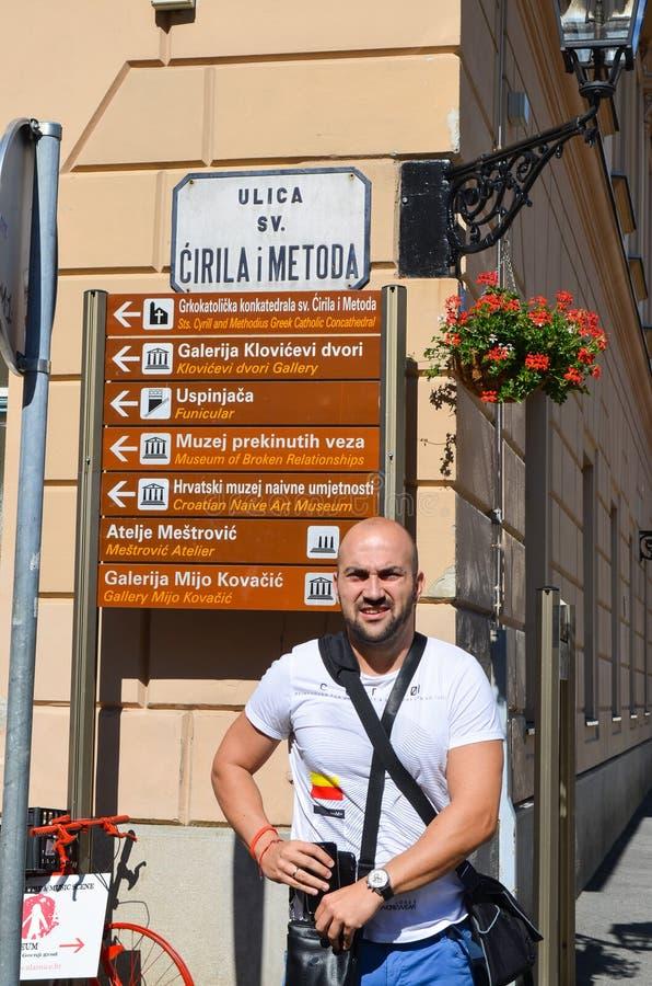 Turist i Zagreb fotografering för bildbyråer