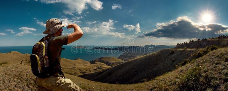 Turist och skönhetnaturlandskap Krim royaltyfri fotografi