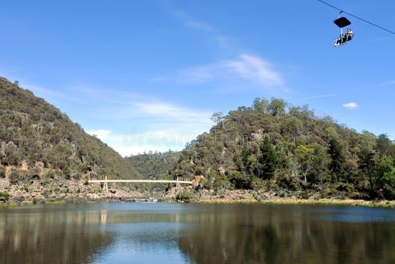Turist på den sceniska chairliften för klyfta i Launceston Tasmanien Australien fotografering för bildbyråer