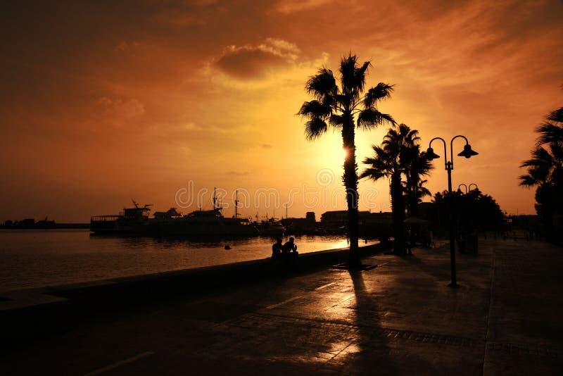 Turist- promenad i den Cypern Paphos staden arkivbild