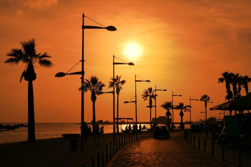 Turist- promenad i den Cypern Paphos staden arkivbilder