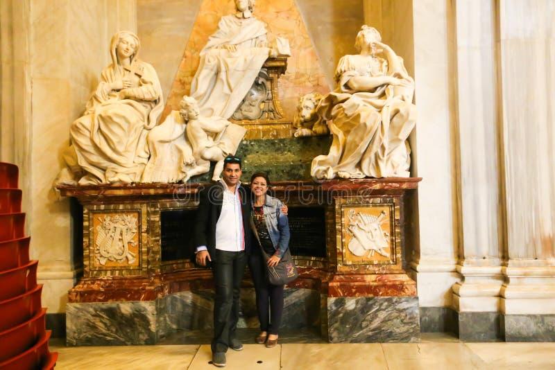 Turista al san Mary Major Basilica - Roma immagine stock