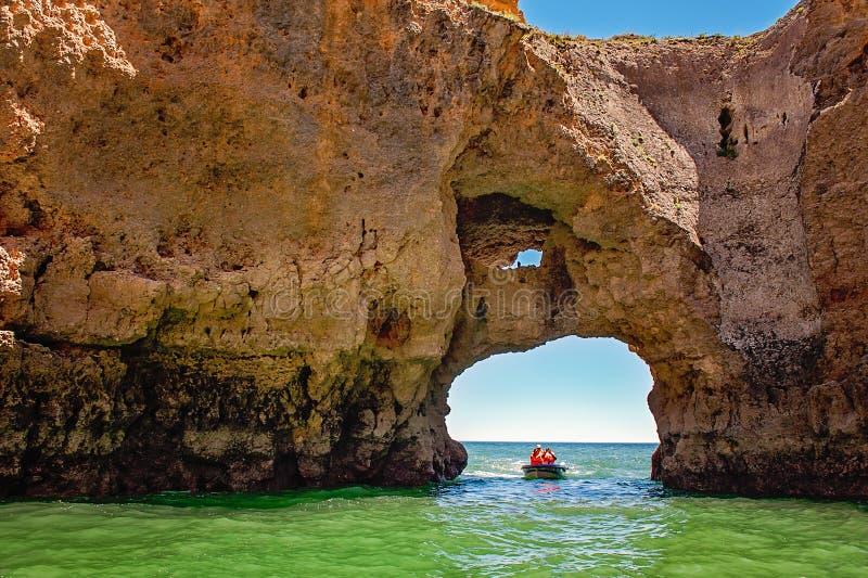 Turista in barca fotografia stock