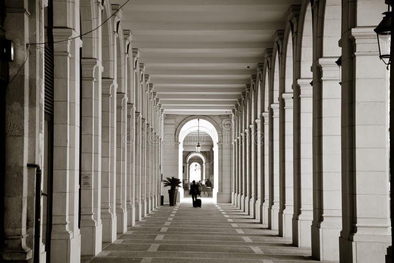 Turista Barcelona el cuarto gótico foto de archivo
