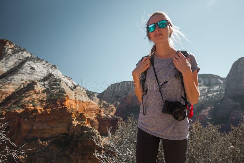 Turista con la cámara imagenes de archivo