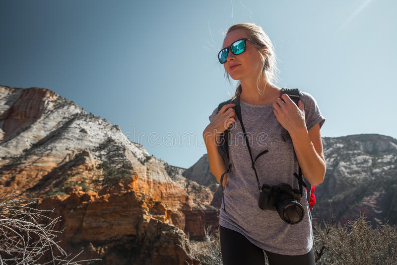 Turista con la cámara imágenes de archivo libres de regalías