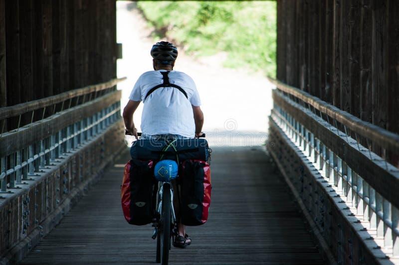 Turista della bicicletta fotografie stock