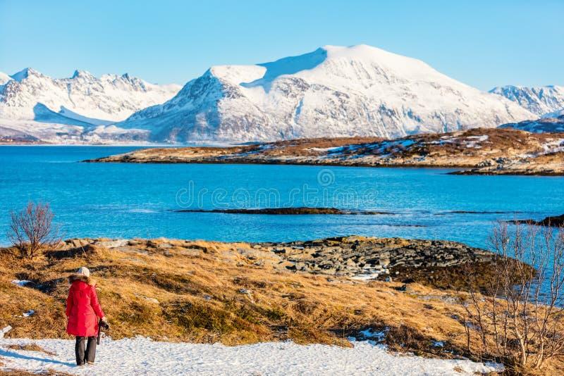Turista em Noruega do norte imagem de stock