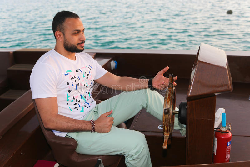 Turista na ilha de palma - Dubai imagens de stock royalty free