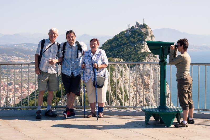 Turista na rocha de Gibraltar fotografia de stock royalty free