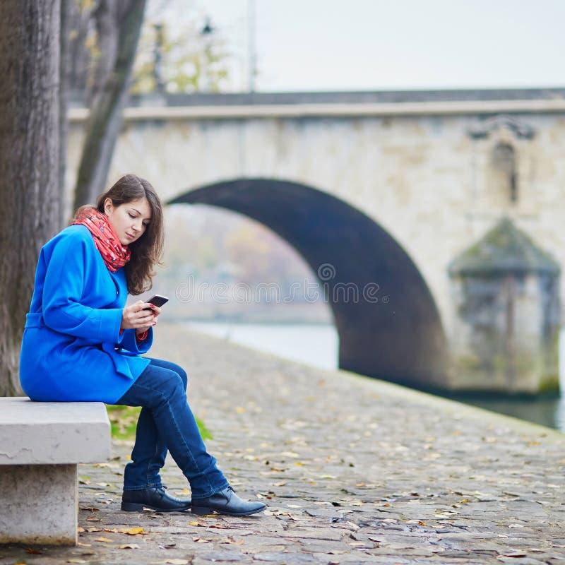 Download Turista Novo Bonito Em Paris Imagem de Stock - Imagem de europeu, menina: 65576305