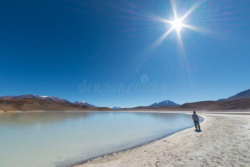 Turista que camina por otra parte fotos de archivo