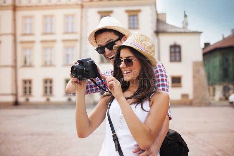 Turistas com câmera foto de stock royalty free