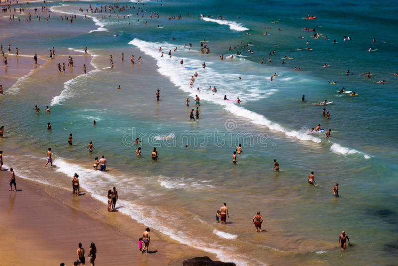 Turistas de la playa de Bondi imágenes de archivo libres de regalías
