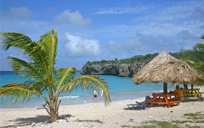Turistas de la playa de Knip fotografía de archivo libre de regalías