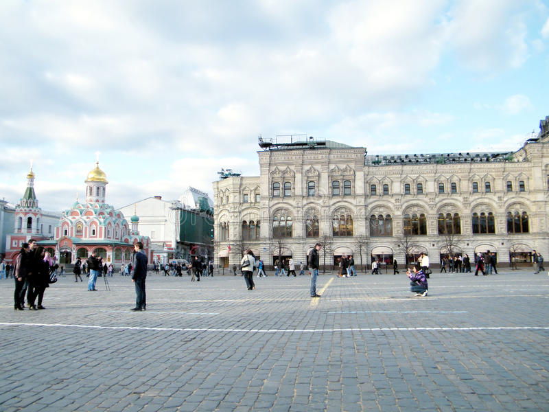 Turistas de Moscou no quadrado vermelho 2011 imagens de stock royalty free