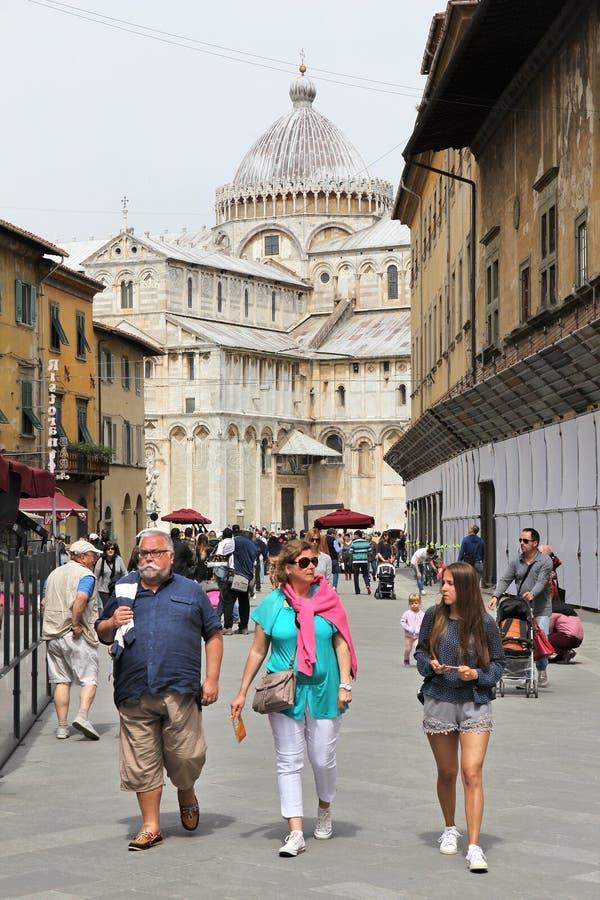 Turistas de Pisa imagens de stock