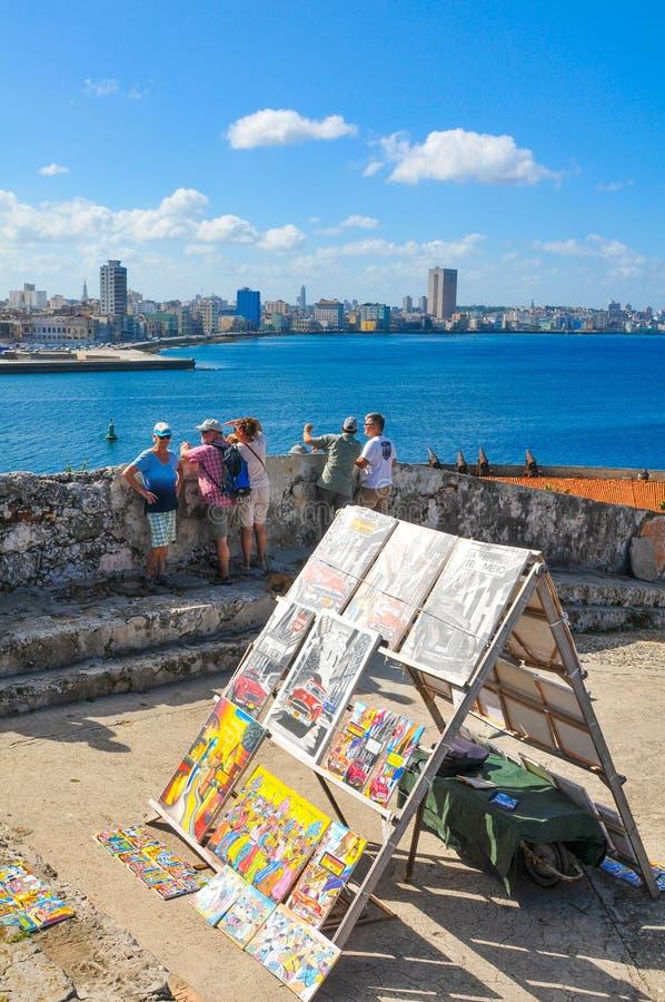 Turistas em Havana, Cuba fotografia de stock royalty free