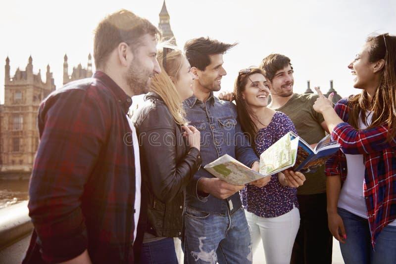 Turistas em Londres fotos de stock royalty free