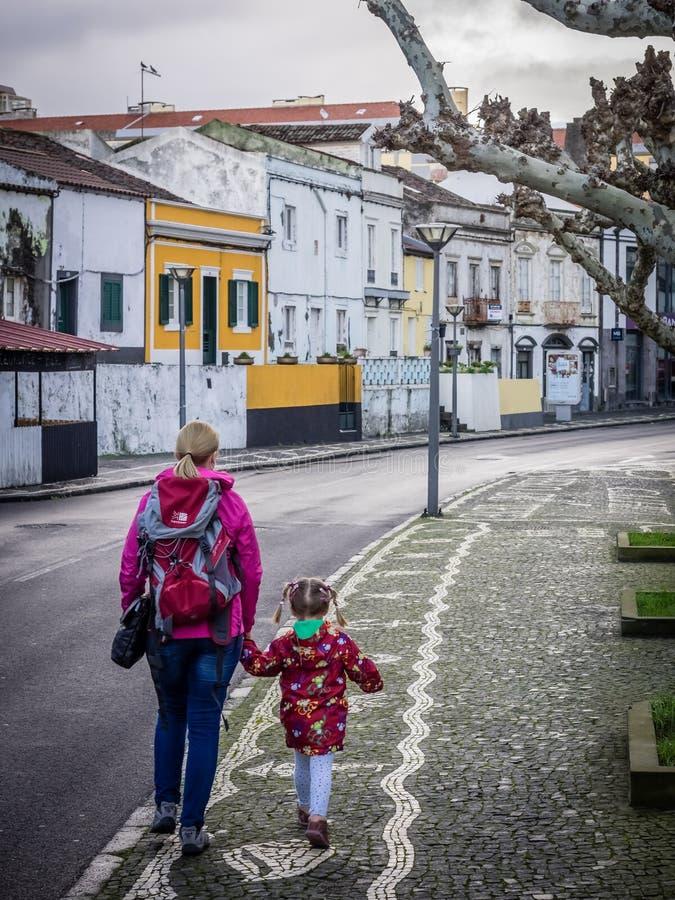 Turistas em Ponta Delgada foto de stock