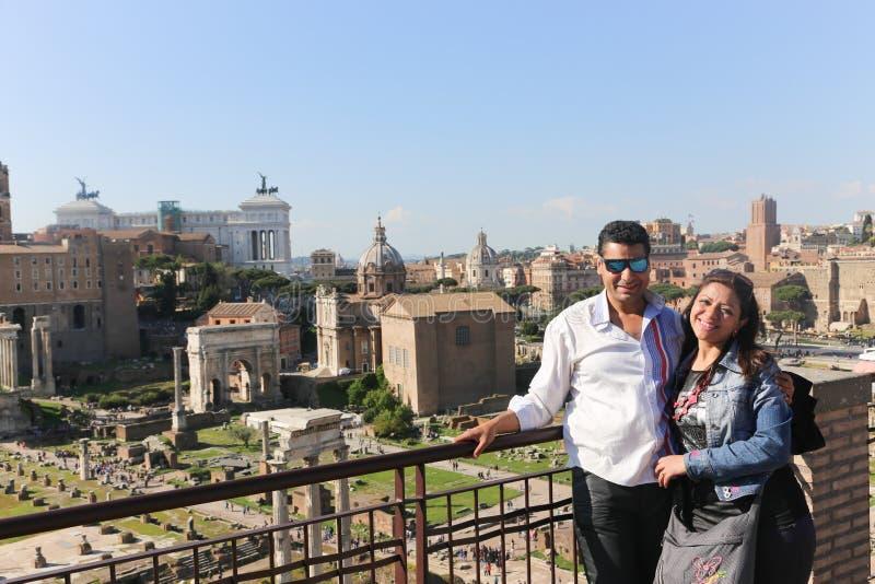 Turistas em Roma Itália imagem de stock