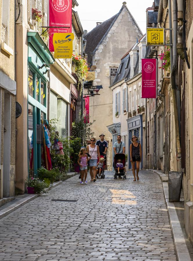 Turistas em Sancerre Cher foto de stock royalty free