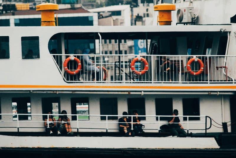 Turistas em um cruzeiro fotografia de stock