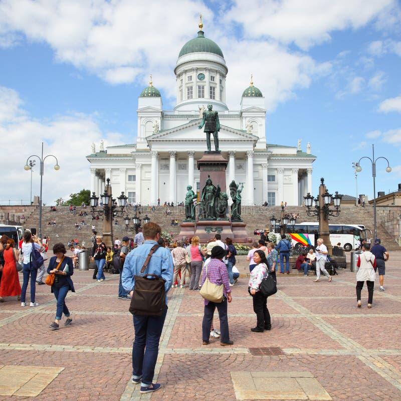 Turistas en cuadrado del senado imagen de archivo