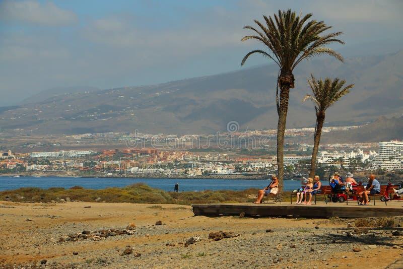 turistas en el mar en Tenerife fotografía de archivo libre de regalías