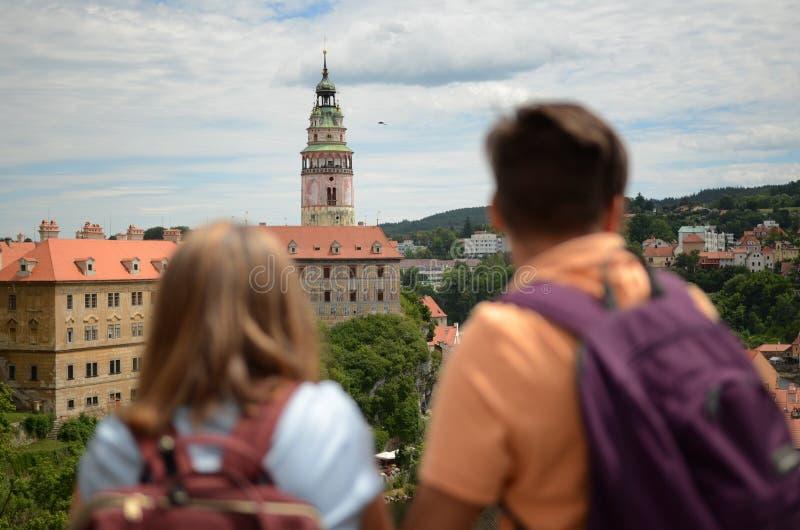 Turistas en la ciudad foto de archivo