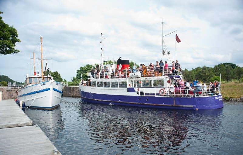 Turistas levando da rainha de Jacobite fotografia de stock