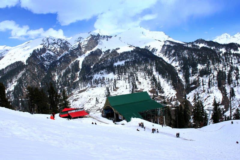 Turistas no vale de Solang imagem de stock royalty free