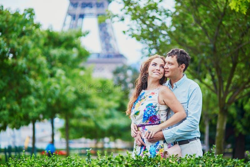 Turistas que apreciam suas férias a França fotos de stock royalty free