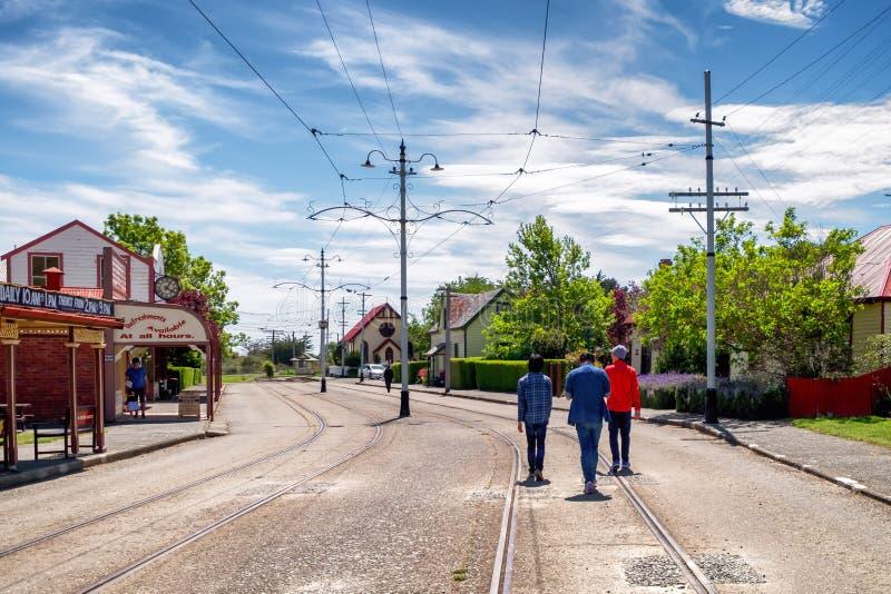 Turistas que visitan el parque de la herencia de Ferrymead, Christchurch, Nueva Zelanda fotos de archivo libres de regalías