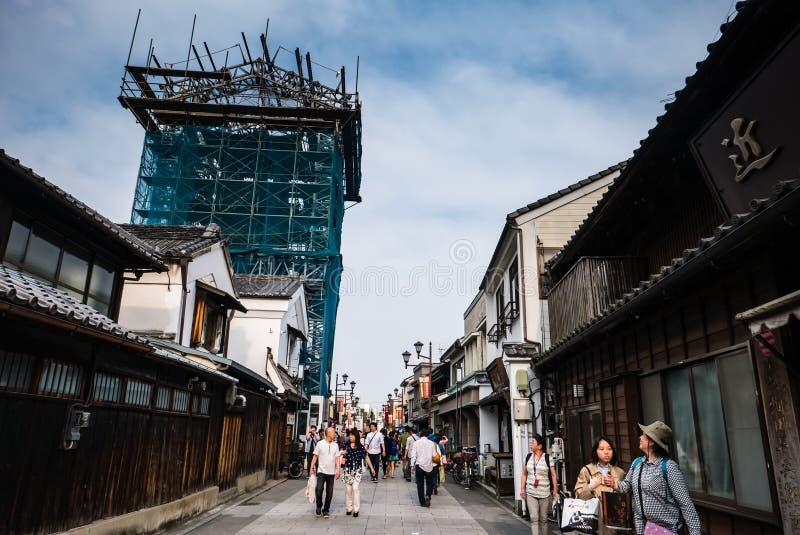 Turistas que visitan la ciudad de Kawagoe fotos de archivo