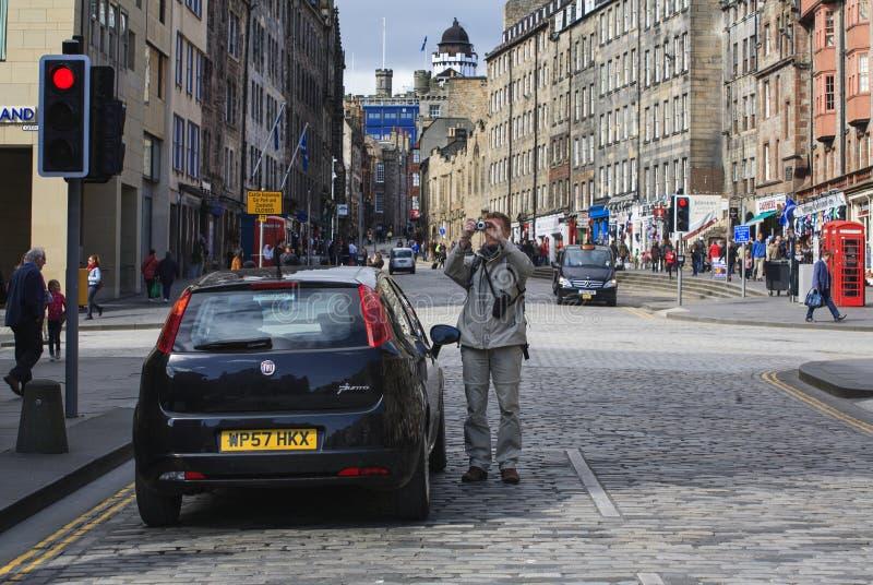 Turisten gör bilden på den kungliga mil royaltyfria bilder