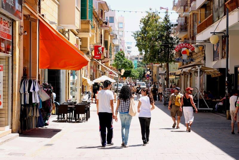 Turister i Nicosia fotografering för bildbyråer