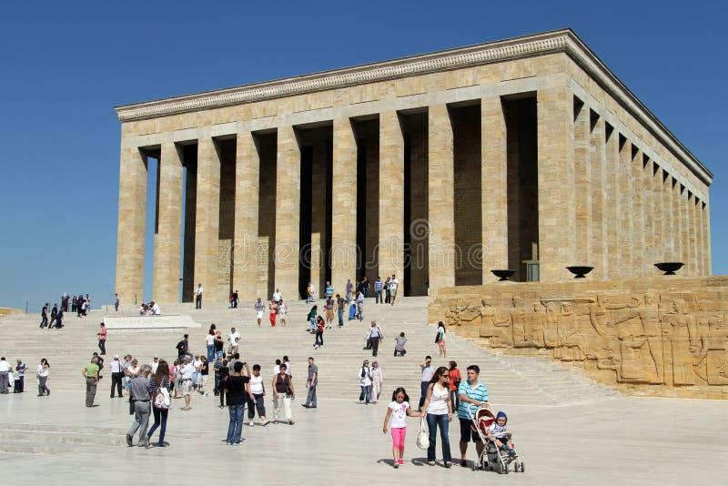 Turister och mausoleum arkivfoton