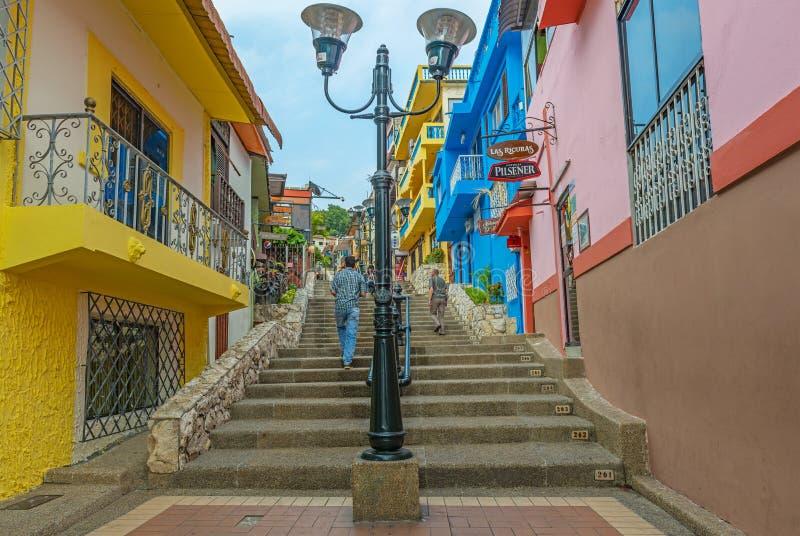 Turisti che camminano nella città di Guayaquil, Ecuador fotografie stock