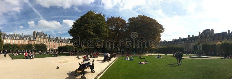 Turisti sul DES i Vosgi Parigi del posto immagini stock