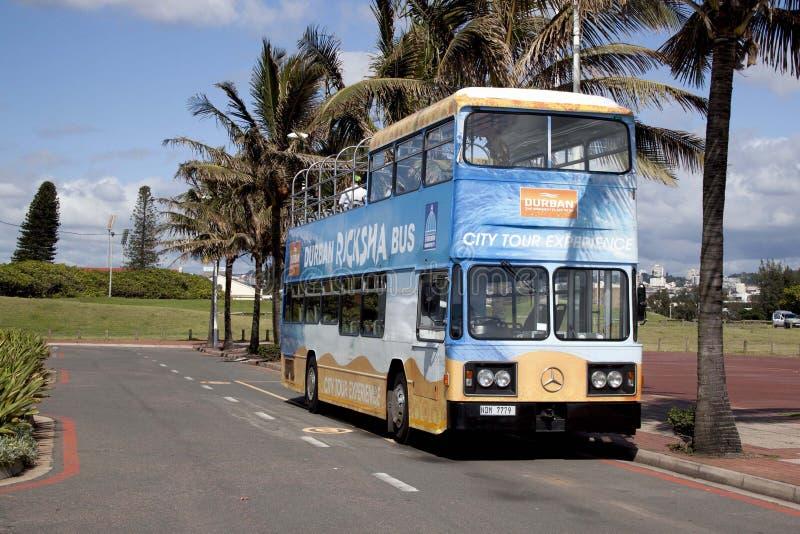 TuristRicksha buss i Durban Sydafrika fotografering för bildbyråer