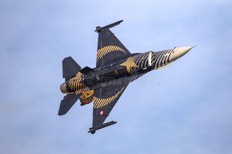 Turk Air Aerobatics Show solo in Teknofest Costantinopoli fotografie stock libere da diritti