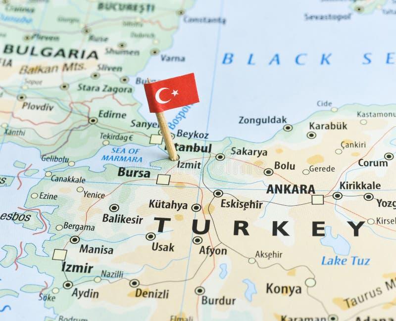 Turkiet översikt och flagpin royaltyfria bilder
